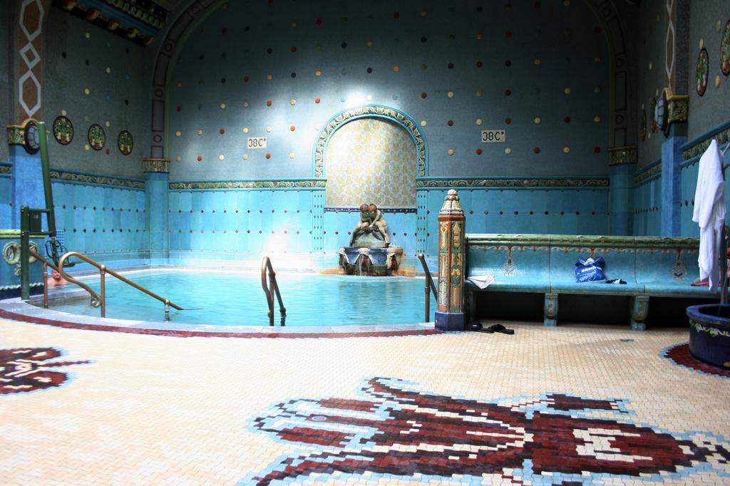 Gellert Baths Thermal Pool Spa Bath